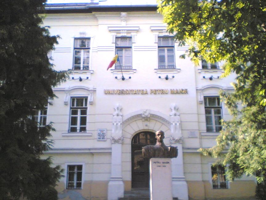"""Vizualizati imaginile din articolul: A Marosvásárhelyi """"Petru Maior"""" Egyetemnél"""
