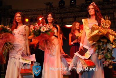 Vizualizati imaginile din articolul: Miss & Mister Tîrgu-Mureş 2013