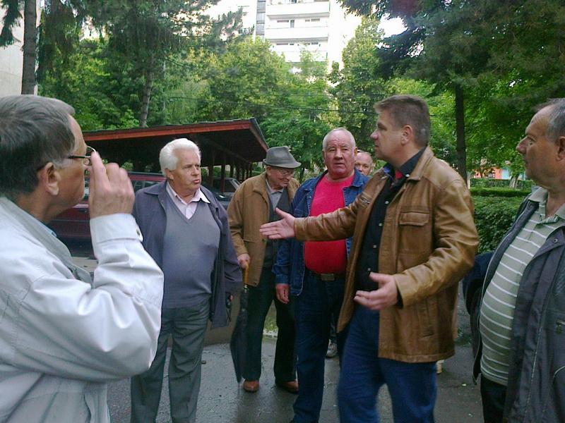 Vizualizati imaginile din articolul: Claudiu Maior - în dialog cu cetăţenii