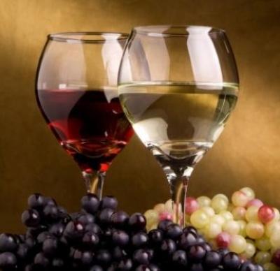 Vizualizati imaginile din articolul: Festivalului vinului şi artei meşteşugăreşti – Ediţia 2013