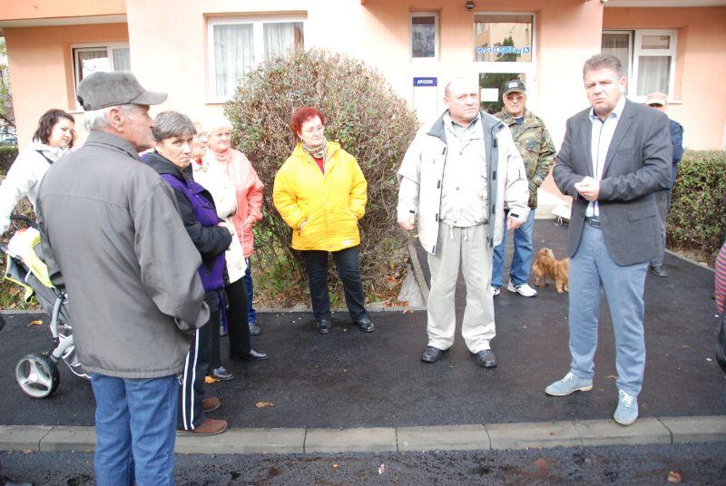 Vizualizati imaginile din articolul: Străzile George Coșbuc şi Nufărului, reabilitate.