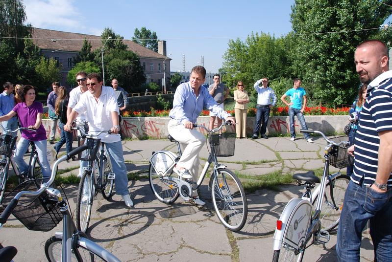 Vizualizati imaginile din articolul: Închirierea de biciclete – un program pilot al Primăriei Tîrgu Mureş