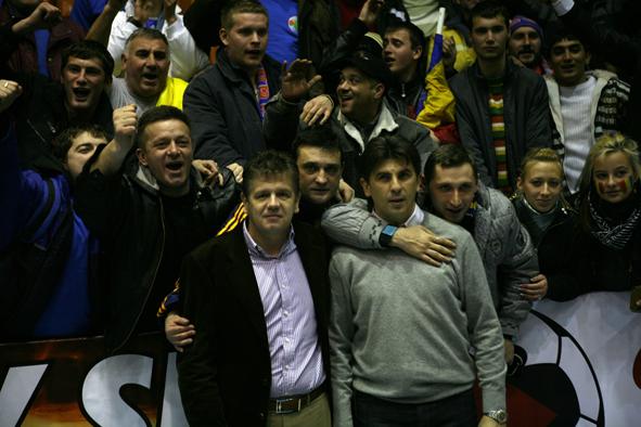 Vizualizati imaginile din articolul: Futsal – meci decisiv pentru calificare la Euro 2012