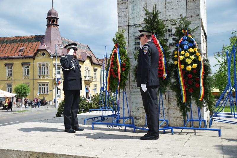 Vizualizati imaginile din articolul: Ceremonii - 9 mai