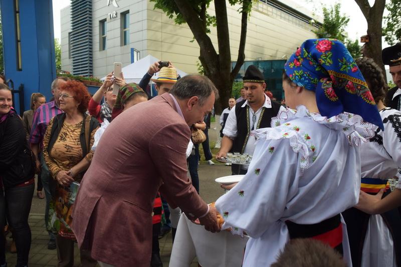 Vizualizati imaginile din articolul: Zilele Târgumureşene, a XX-a ediţie, au fost deschise oficial! Parcul Municipal vă aşteaptă la distracţie!