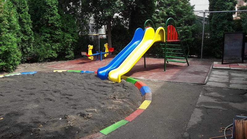 """Vizualizati imaginile din articolul:  Grădiniţa """"Dumbrava Minunată' din Tîrgu Mureş are parc nou!"""
