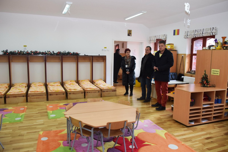 Vizualizati imaginile din articolul: A Marosvásárhelyi Polgármesteri Hivatal teljesen felújította a 16-os Óvodát