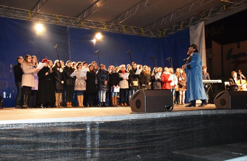 Vizualizati imaginile din articolul: 15 decembrie: Invitație la concertul de colinde din Piața Teatrului