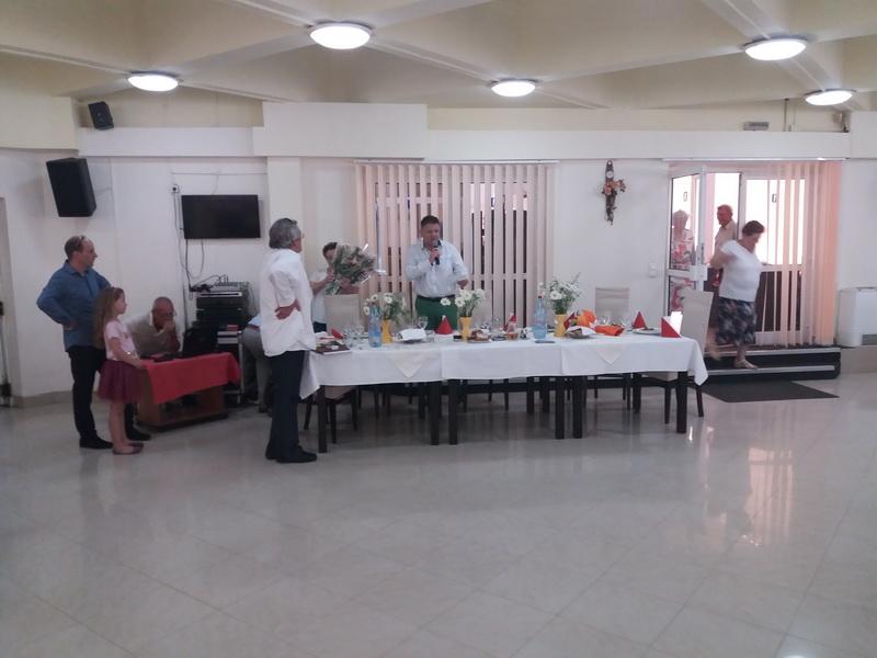 Vizualizati imaginile din articolul: A Marosvásárhelyi Polgármesteri Hivatal mindig a nyugdíjasok mellett