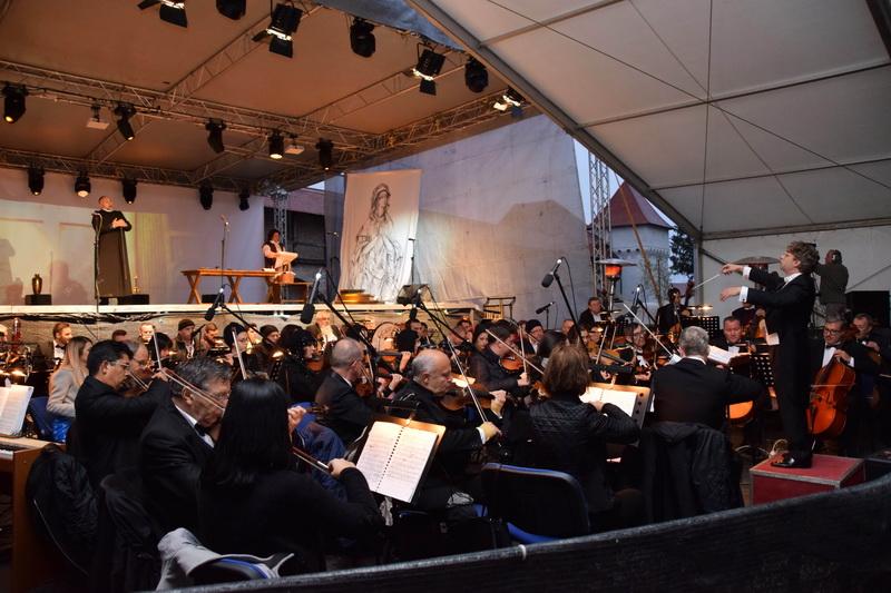 Vizualizati imaginile din articolul: Marosvásárhelyi Őszi szimfóniák