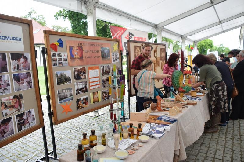 Vizualizati imaginile din articolul: 11 – 13 octombrie Târg de Arte şi Meserii la Tîrgu Mureş