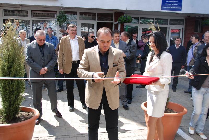 Vizualizati imaginile din articolul: A Cuza Vodă utcai piac – egy korszerű és civilizált hely