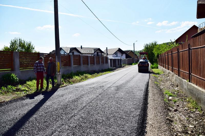 Vizualizati imaginile din articolul: Újabb leaszfaltozott utca a marosvásárhelyieknek