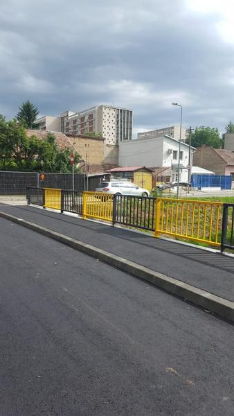 Vizualizati imaginile din articolul: Gyorsaság, minőség és biztonság: Határidő előtt elkészült az Arató utcai híd!