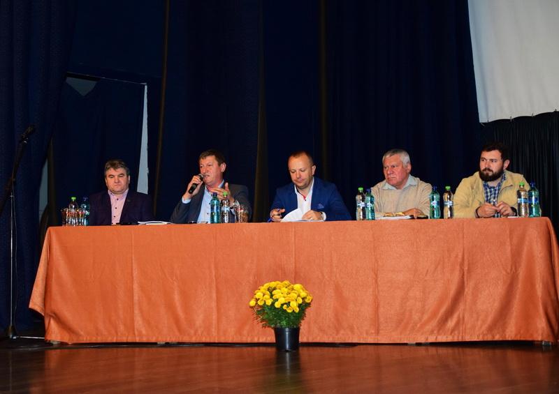 """Vizualizati imaginile din articolul: Dezbatere publică la Centrul Cultural """"Mihai Eminescu'"""