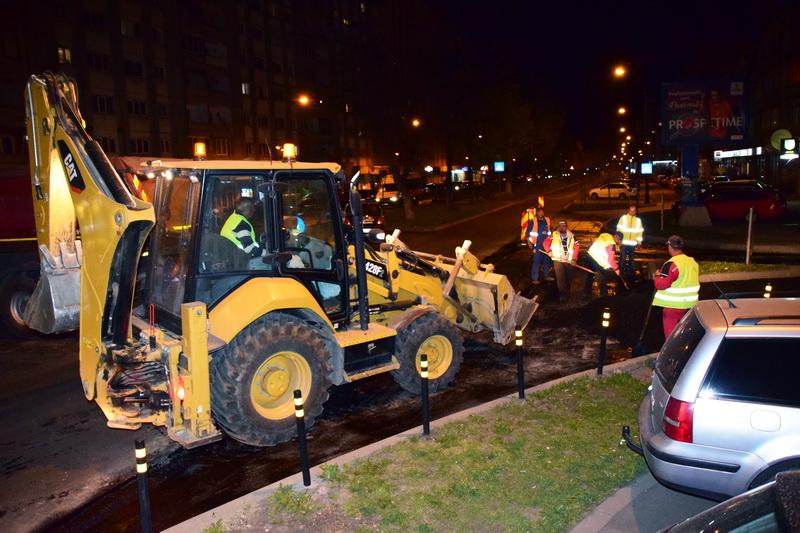 Vizualizati imaginile din articolul: Lucrări de asfaltare în cartierul Dâmbu Pietros