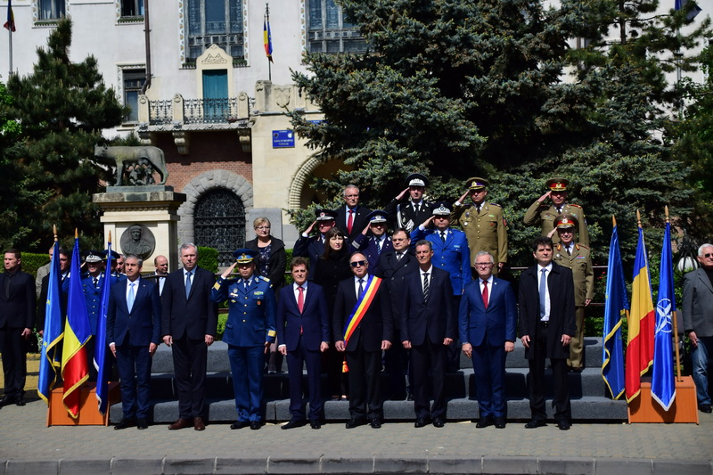 Vizualizati imaginile din articolul: 9 mai la Târgu Mureș