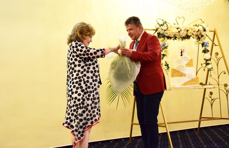 Vizualizati imaginile din articolul: Nunta de Aur – 50 de ani de iubire și respect