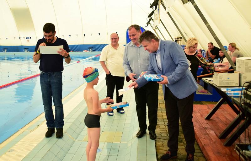 Vizualizati imaginile din articolul: Claudiu Maior: 'Peste 1000 de elevi au luat parte la programul de inițiere în înot'