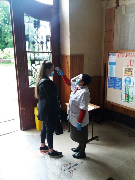 Vizualizati imaginile din articolul: Unitățile de învățământ din Târgu Mureș și-au deschis astăzi porțile, în siguranță!