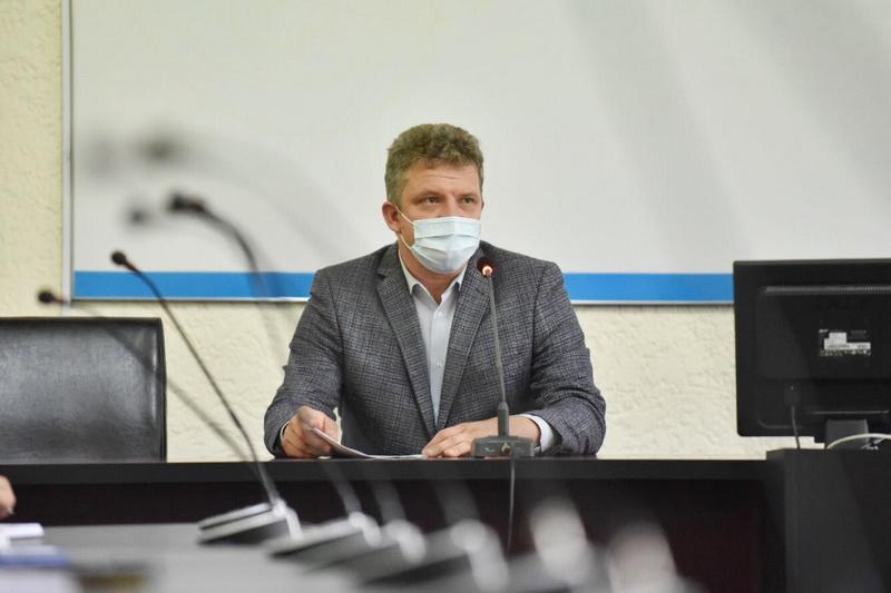 Vizualizati imaginile din articolul: Sportivii legitimați vor avea în continuare acces la Piscina 'ing. Mircea Birău'
